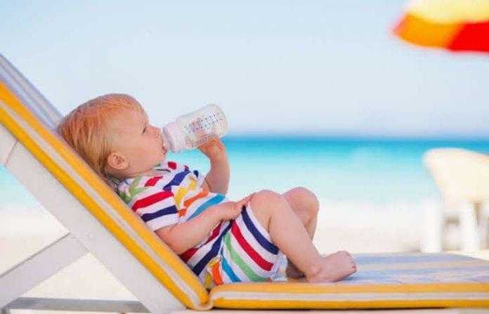 beba na plazi