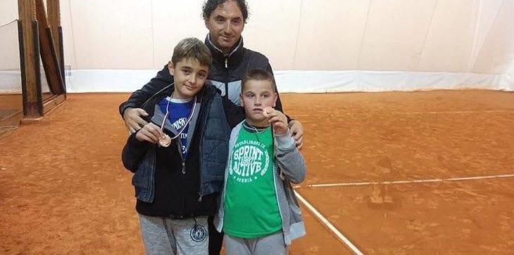 teniseri